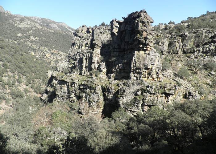 Uno de los canchales más espectaculares que se ven en la ruta Cascada del Chorro