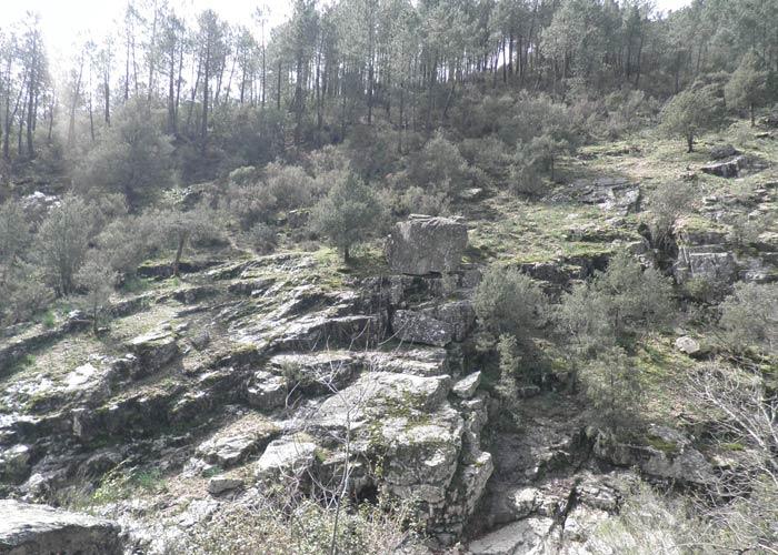 Paisaje típico de Las Batuecas en un momento de la ruta Cascada del Chorro