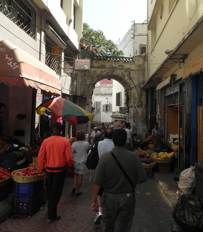 Una calle del Zoco un día en Tánger