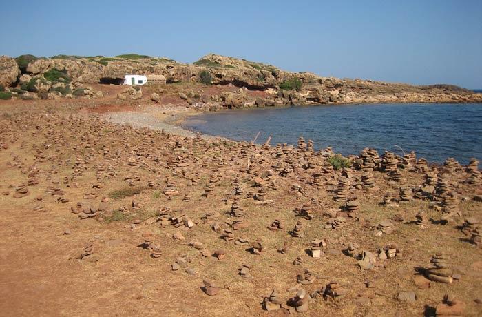 Playa de Binimel-là de camino a Cala Pregonda mejores calas de Menorca