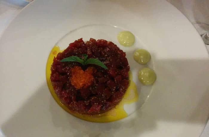 Steak tartar de atún rojo del Restaurante Rivas restaurantes en Salamanca provincia