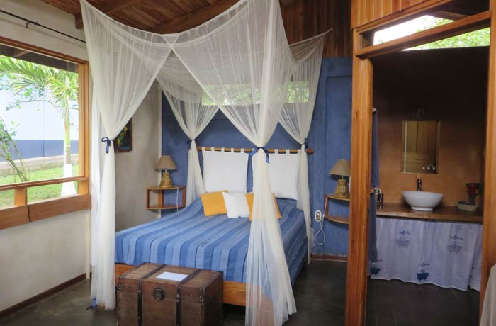Interior de un bungaló del B&B Sueño Celeste Río Celeste