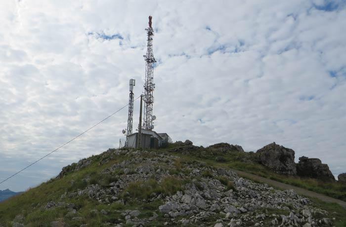 Antena de telefonía y repetidor del pico Candiano