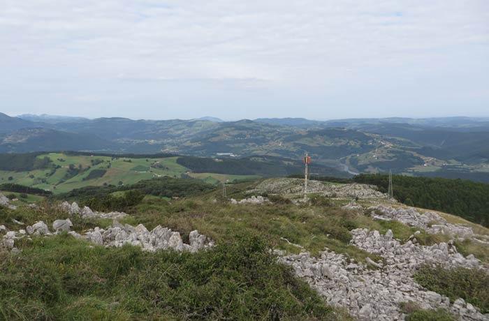 Valles cántabros desde el pico Candiano