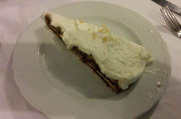 Tarta de galleta de A Tasquinha comer en Oporto