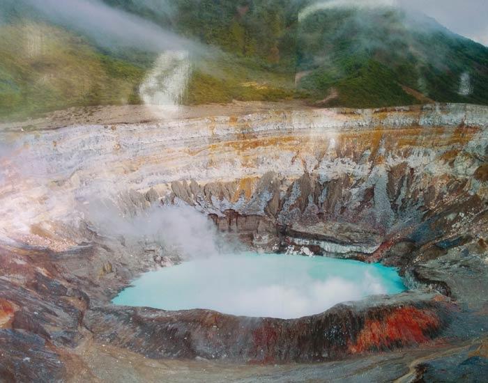 Detalle del cráter del Volcán Poás