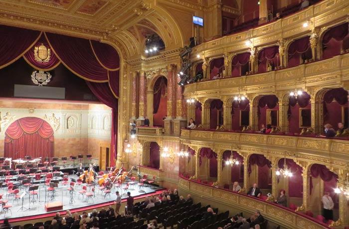 Interior de la Ópera de Budapest