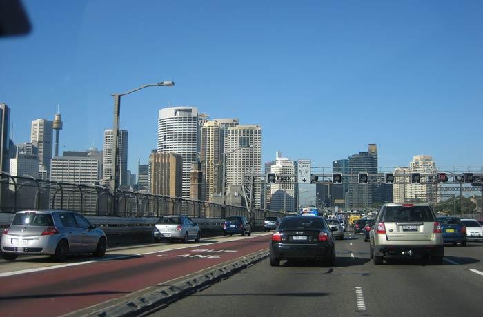 Cruzando en coche el Sydney Harbour Bridge