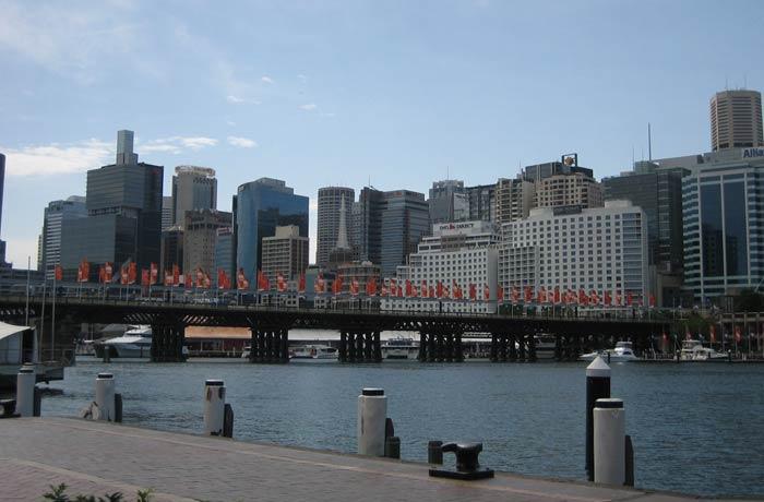 Vista del puente Pyrmont en Darling Harbour qué ver en Sídney