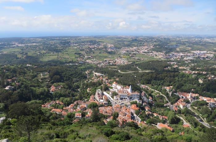 Vista de Sintra y el Parque Natural desde el Castelo dos Mouros