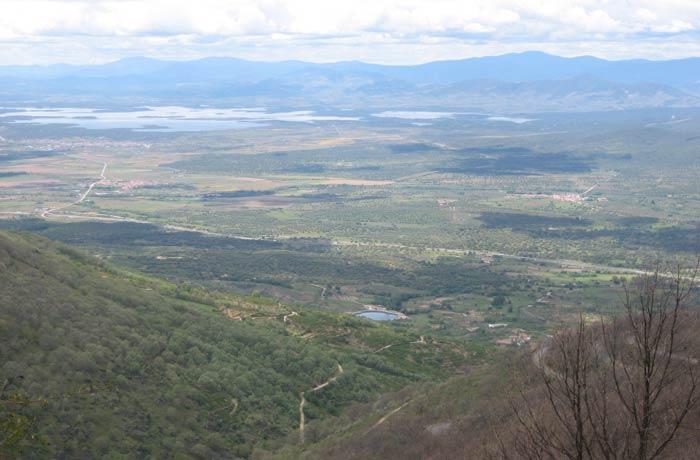 Vista del Valle del Ambroz desde el puerto de Honduras