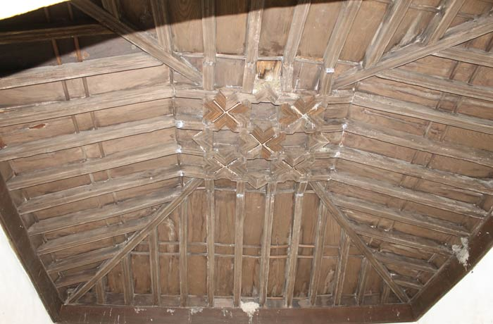Artesonado de la capilla de la iglesia de Nuestra Señora del Castillo
