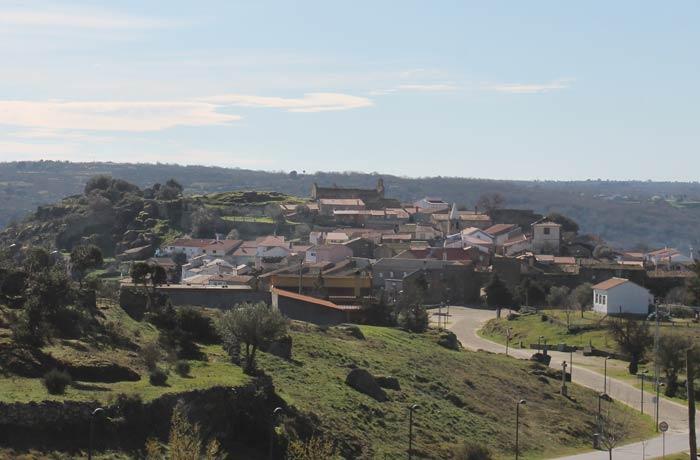 Vista de Castelo Mendo desde el altar dedicado a la Virgen de Fátima