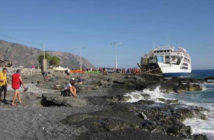 Ferri en el puerto de Agia Roumeli Garganta de Samaria