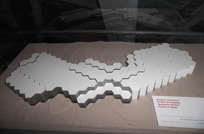 Maqueta del pabellón de España en la Exposición Universal de Bruselas de 1958