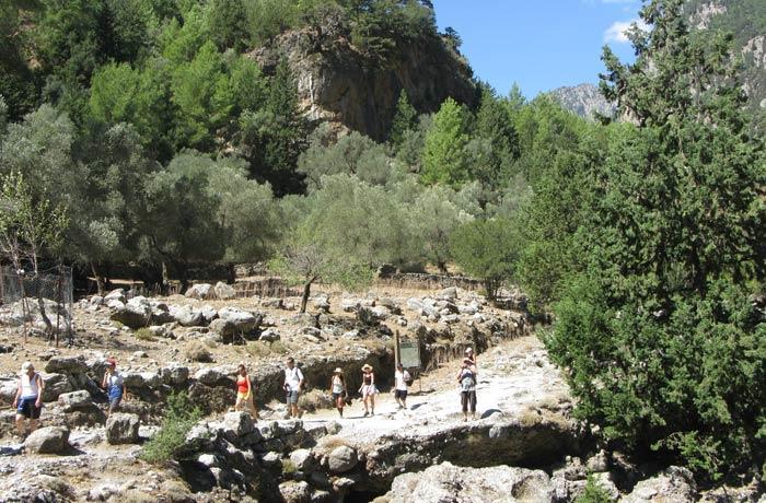 Samaria, principal punto de descanso a medio camino de la ruta Garganta de Samaria