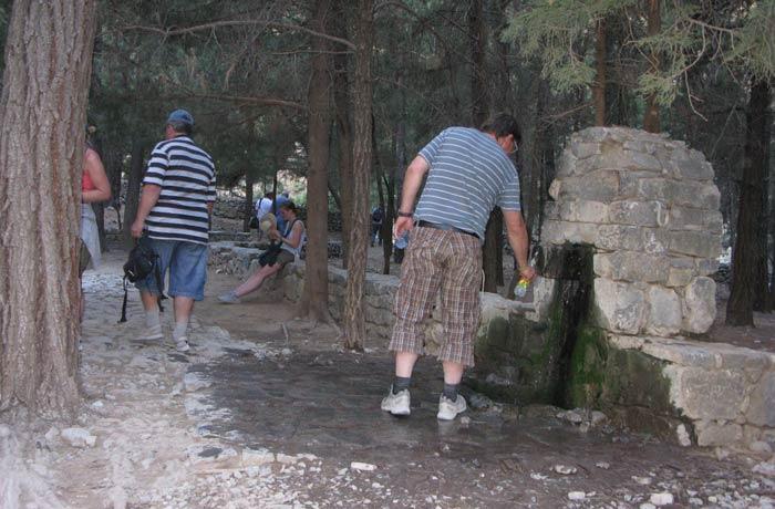 Zona de descanso de Christos, en la parte final del camino Garganta de Samaria