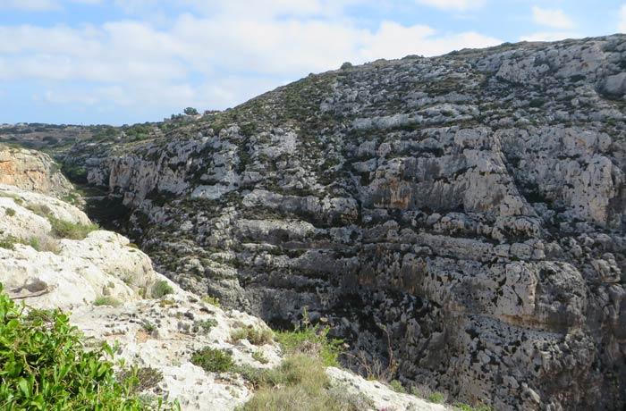 Uno de los acantilados que se pueden ver junto a la Gruta Azul Malta