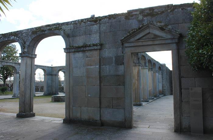 Ruinas del antiguo Palacio Episcopal qué ver en Miranda do Douro