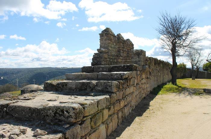 Muralla prerrománica qué ver en Miranda do Douro
