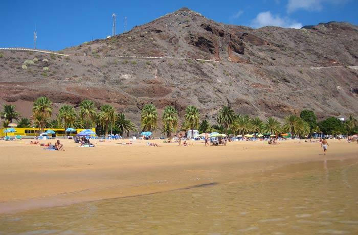 Barranco que protege a la playa de Las Teresitas
