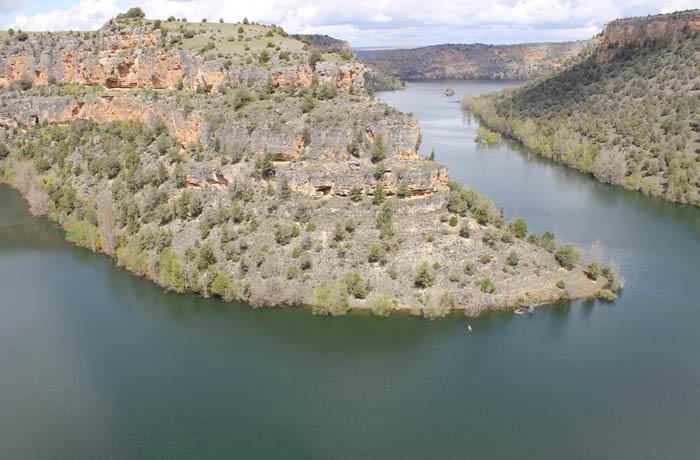 Meandro que hace el río Duratón en esta zona ermita de San Frutos
