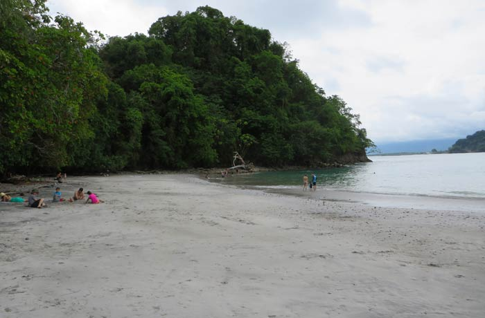 Otra vista de la playa Biesanz Playas de Manuel Antonio
