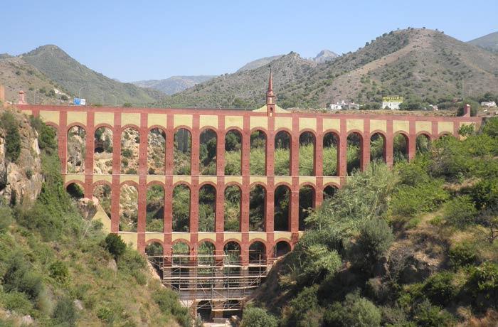 Acueducto del Águila en Nerja