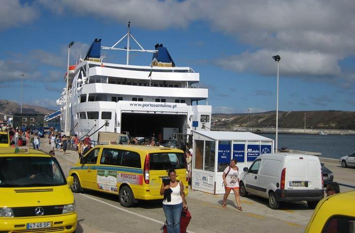 Ferri que cubre la línea entre Madeira y Porto Santo Una semana en Madeira