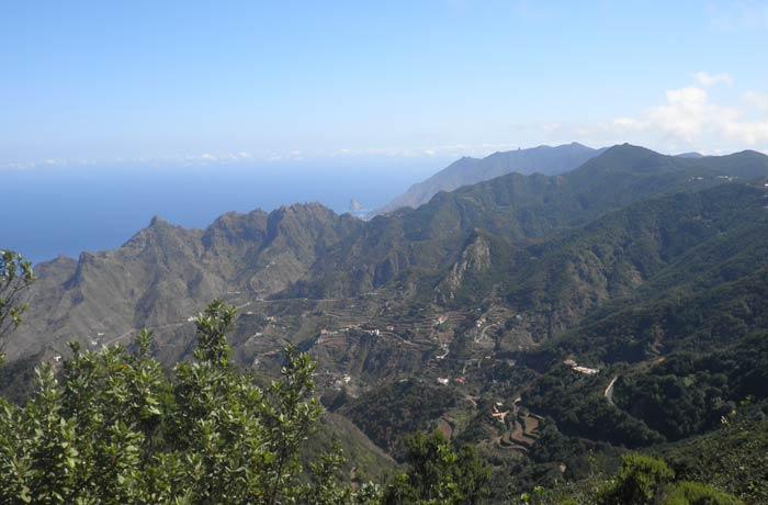 Vista del macizo de Anaga con el Atlántico al fondo qué ver en Tenerife