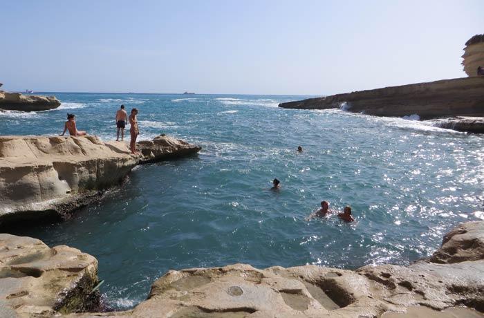 Bañistas en St. Peter's Pool