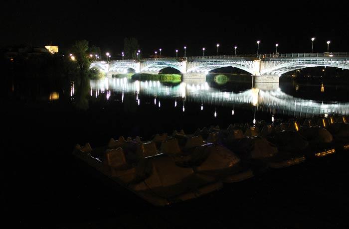 Embarcadero del Tormes y puente Enrique Estevan vistas de Salamanca