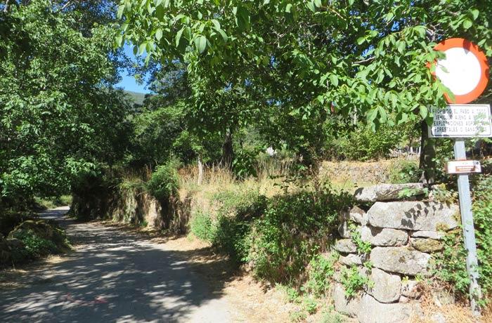 Punto de inicio de la ruta en Sotillo de Sanabria Cascada de Sotillo