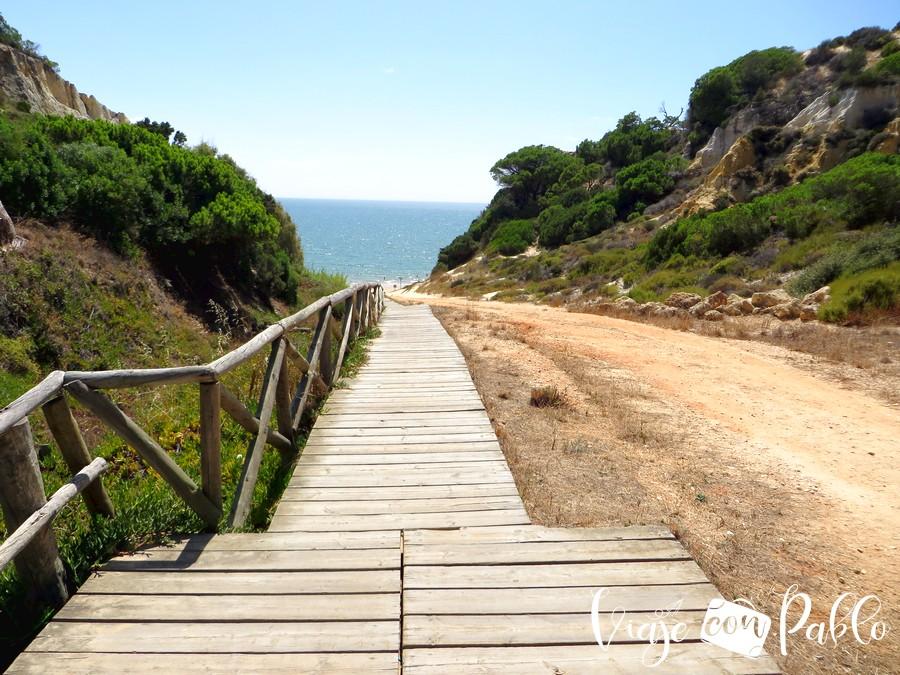 Pasarela de acceso a la playa del Rompeculos