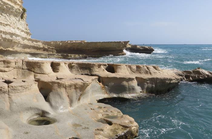 Formas que provoca la erosión de la roca caliza en St. Peter's Pool