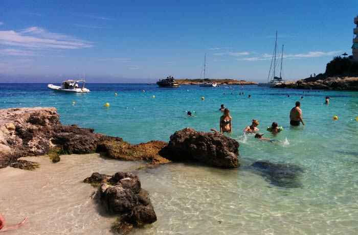 Otra perspectiva de la playa de Illetes Mallorca