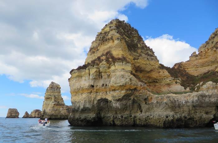 Uno de los acantilados de las grutas de Lagos