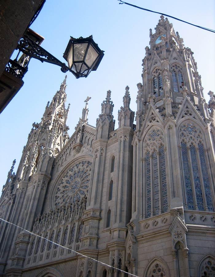 Iglesia de San Juan Bautista de Arucas qué ver en Gran Canaria