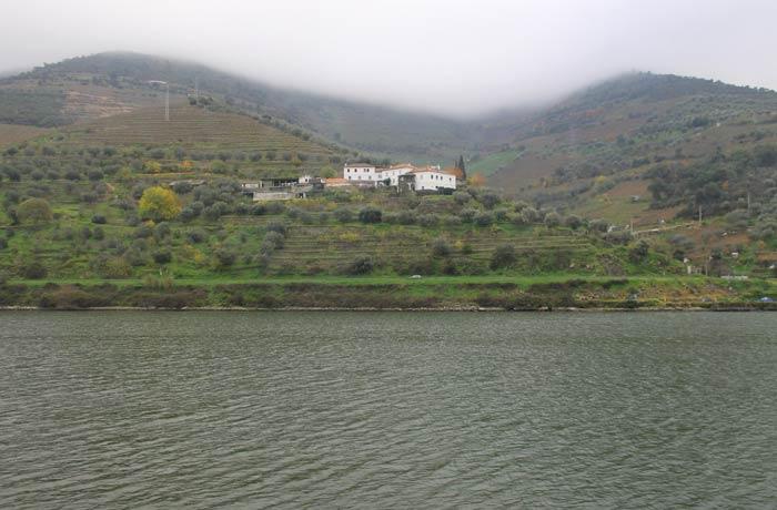 El Duero y su valle desde el tren Pocinho Regua