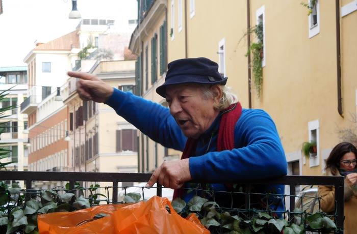 Felice, el gentil propietario de Alle Fratte di Trastevere qué ver en Trastévere