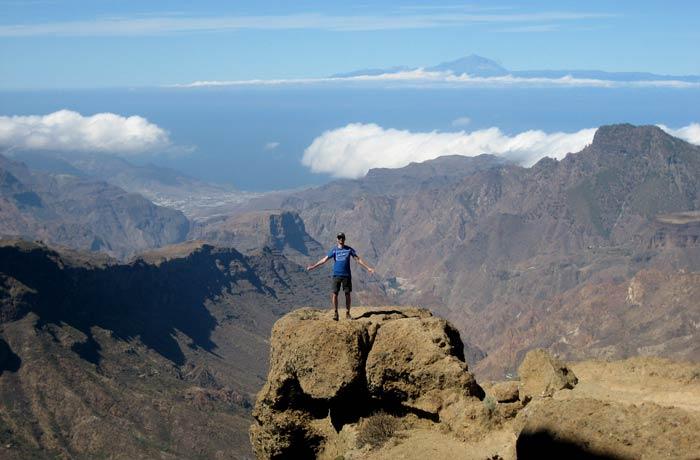Pablo en el Roque Nublo qué ver en Gran Canaria