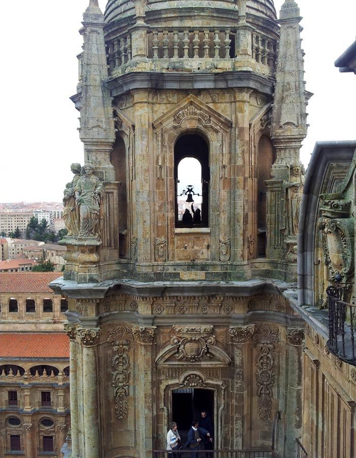 Una de las torres de la Clerecía desde Scala Coeli Salamanca San Valentín