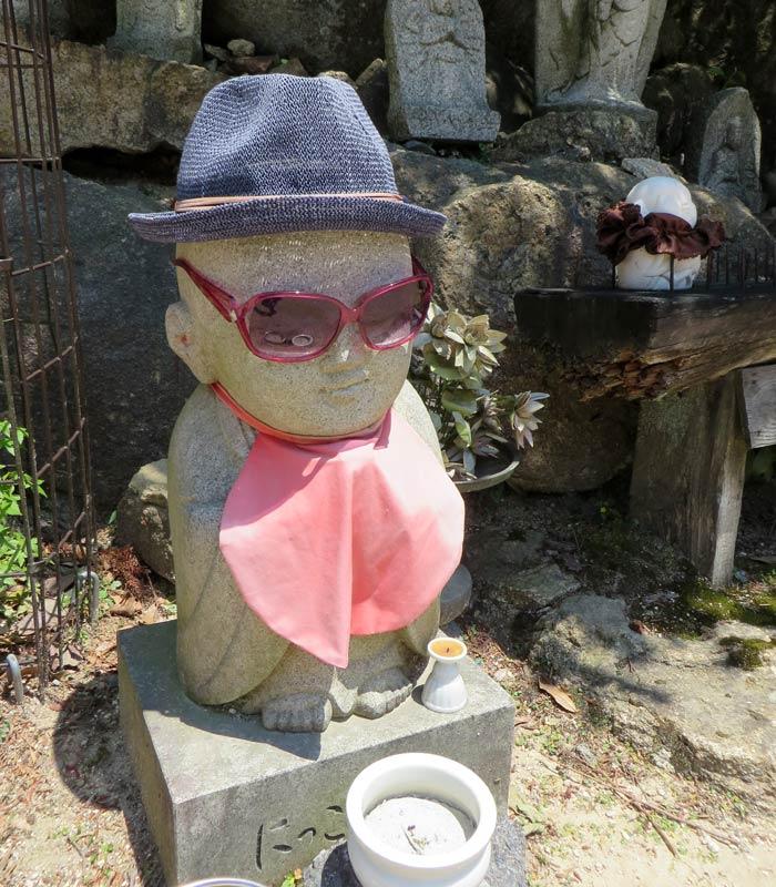 Un jizo en un templo de la isla de Itsukushima curiosidades de Japón
