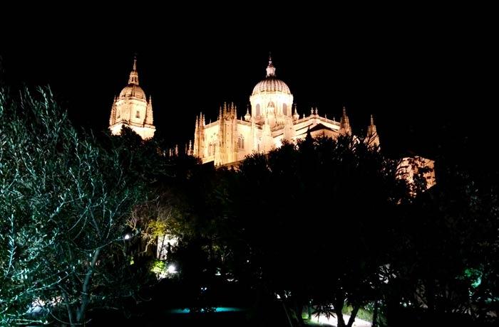 La Catedral desde el huerto de Calixto y Melibea Salamanca San Valentín