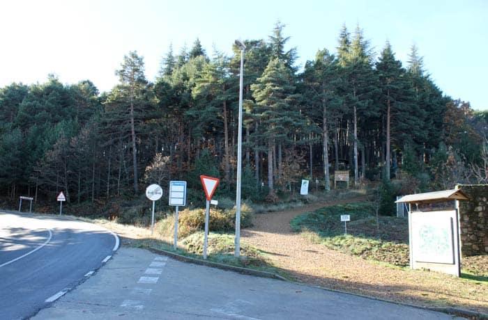 Lugar en el que comienza la ruta junto a la Casa del Parque Natural Las Batuecas-Sierra de Francia Portilla Bejarana