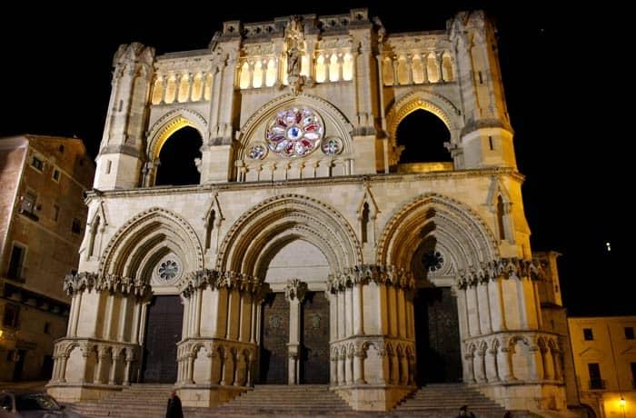 La Catedral de Santa María y San Julián de Cuenca, de noche que ver en Cuenca