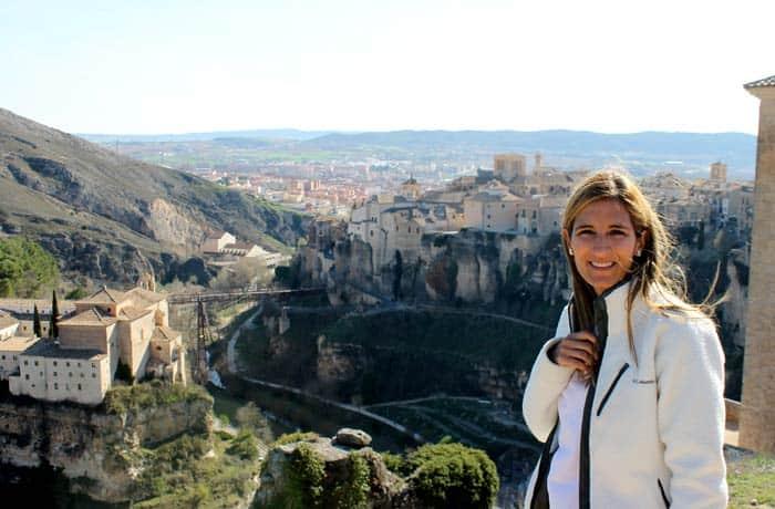 Estefanía, en el mirador del barrio del Castillo que ver en Cuenca