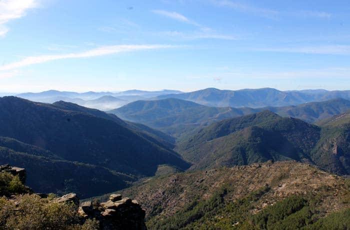 Paisaje de Las Batuecas, aún más bello con la leve neblina Portilla Bejarana