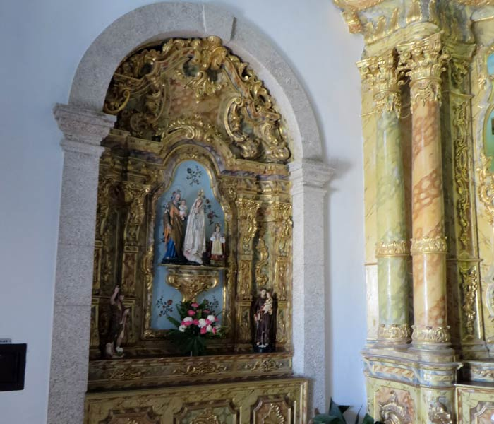 Virgen de Fátima en uno de los altares de la capilla Capela do Senhor da Pedra
