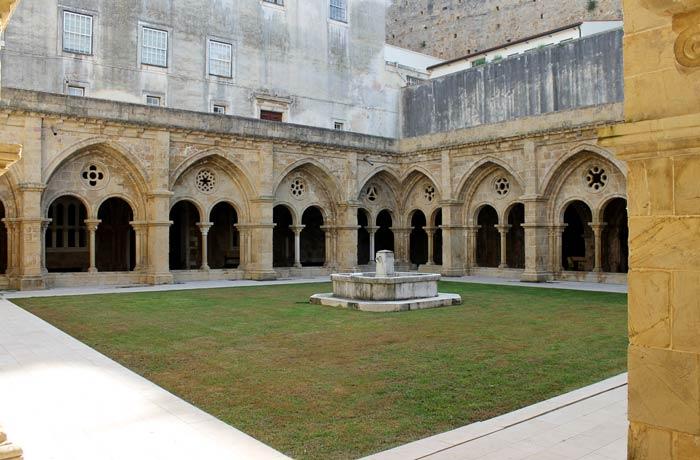 Claustro de la Sé Velha qué ver en Coímbra